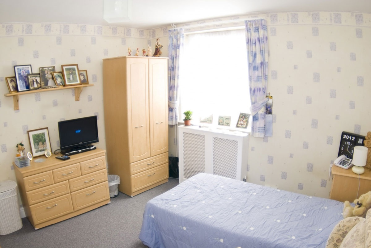 White Gables Suffolk Felixstowe care home bedroom